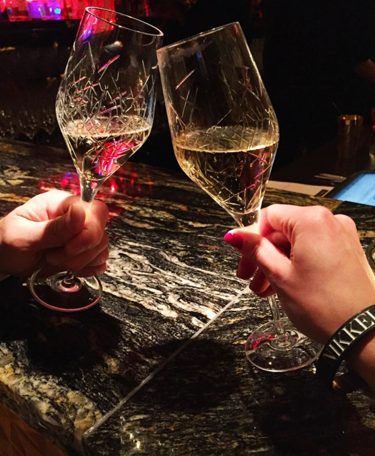nikkeinine champagner